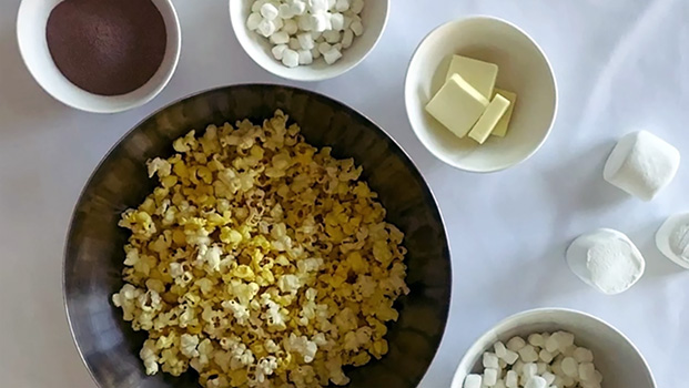 Make Delicious Hot Cocoa Popcorn Squares at Home Section4Image